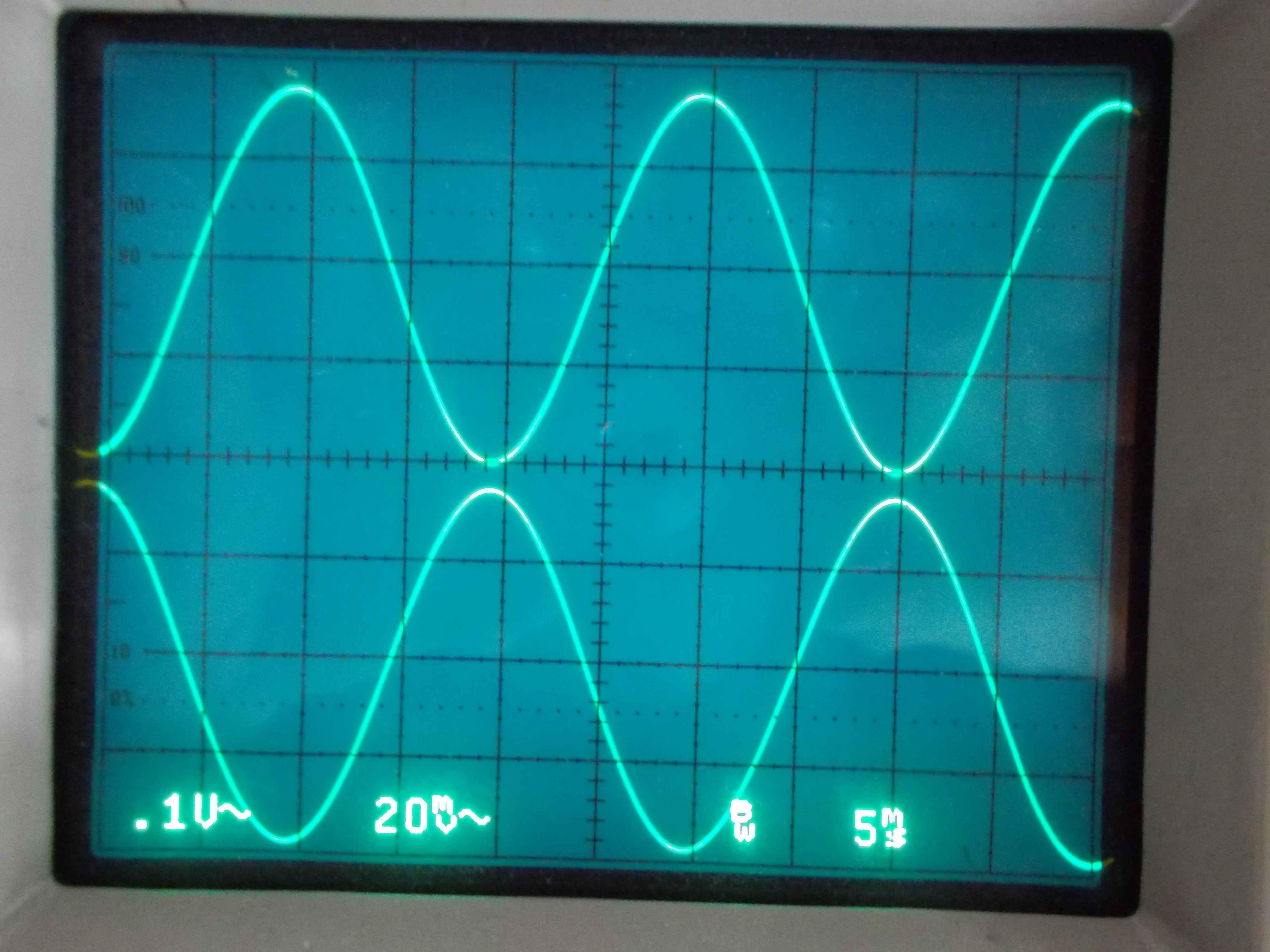 2_Sine_Controfase_Pin5_Pin3_LM2903.jpg